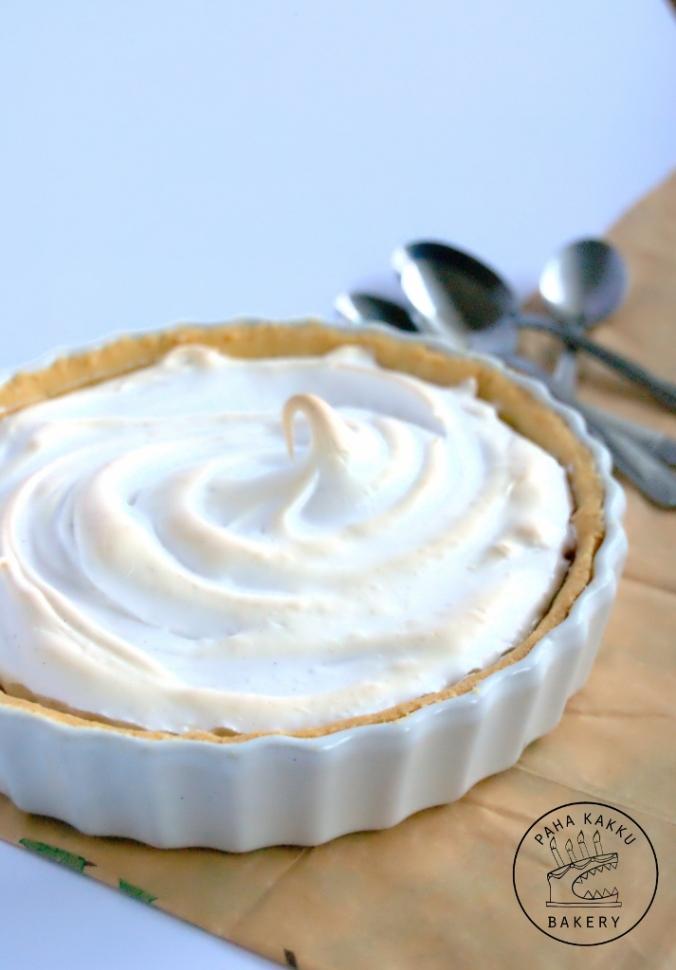glutenfree-passion-meringue-pie-01 (713x1024)