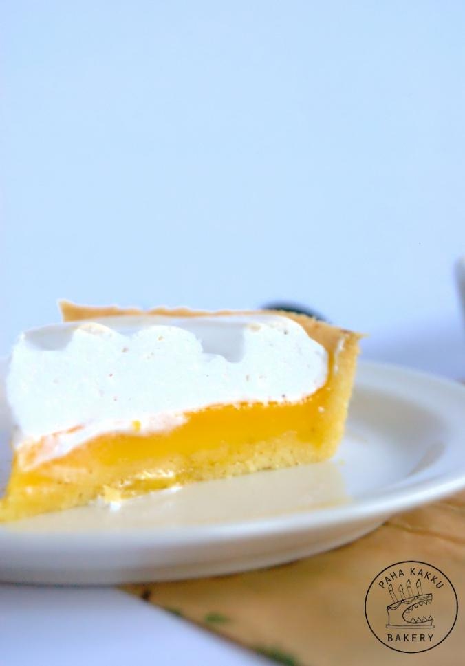 glutenfree-passion-meringue-pie-04 (714x1024)