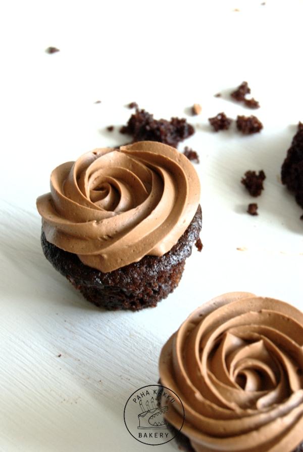 vegan-chocolate-cupcakes-01-pieni